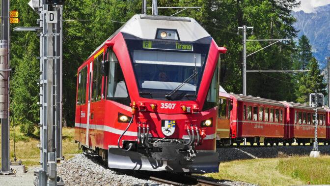 Trenino Bernina, St. Moritz e Livigno duty free